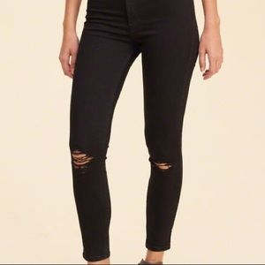 Hollister Black Mid Rise Super Skinny Jeans NWT 9S